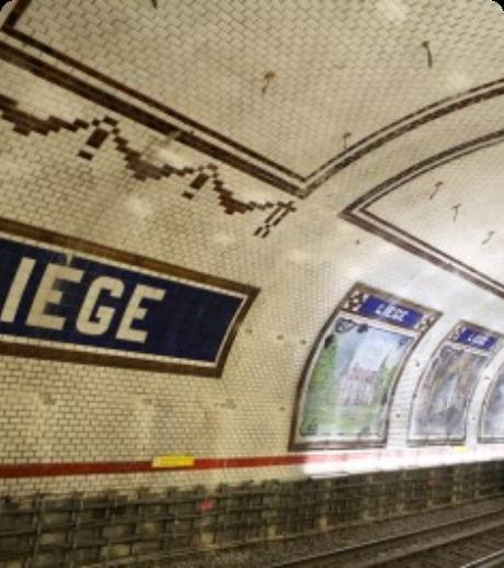 Photo de l'arrêt de métro « Liège » à Paris qui représente l'adresse de La Mobilery à Paris
