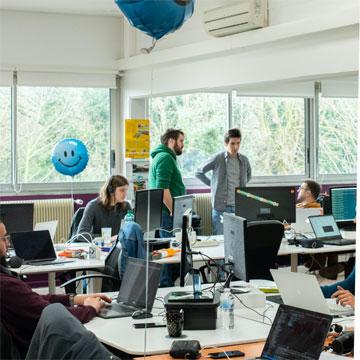 Les bureaux de l'agence de Tourcoing avec ses collaborateurs
